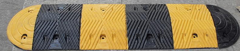 钦州优质减速带橡胶减速带规格型号