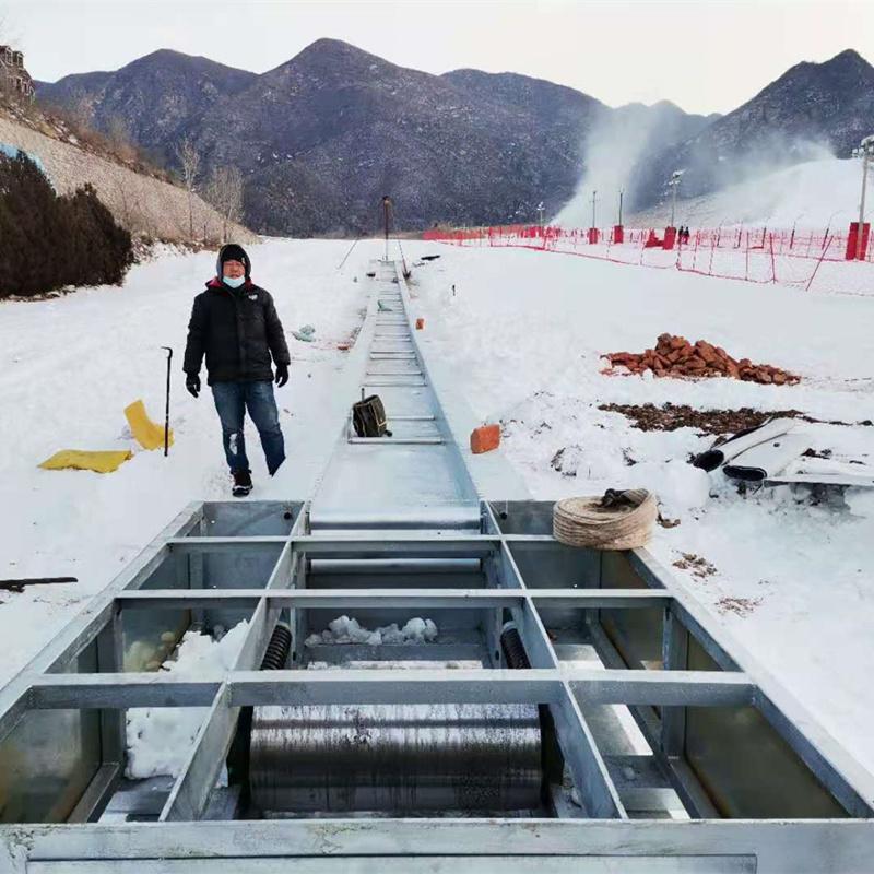 滑雪场魔毯运行平稳   诺泰克高运输魔毯